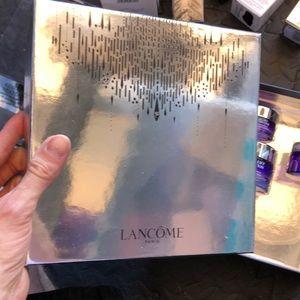 Lancome Makeup - NEW Lancôme Renergie Lift box set